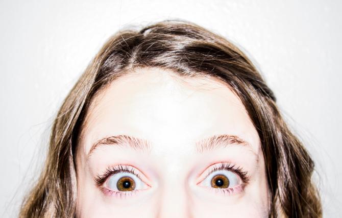 Fotografie de negi pe pleoapele inferioare și superioare ale ochiului și cum să scapi de creșteri?